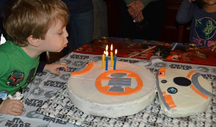 Marvelous Star Wars Party Ideas To Help You Throw The Perfect Easy Star Personalised Birthday Cards Bromeletsinfo