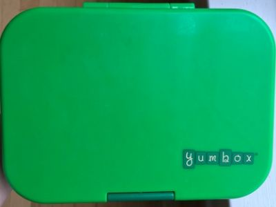 best lunchbox for kindergarten in green and closed