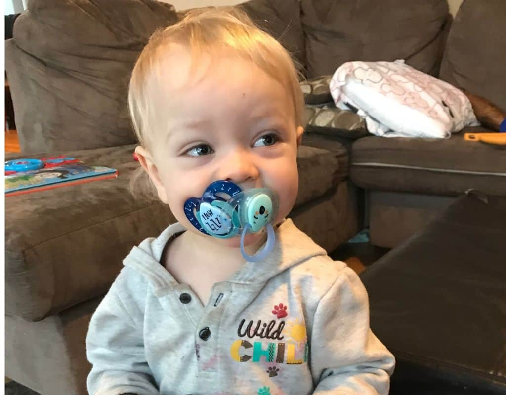 A toddler with two pacifiers in his mouth - how to get rid of it!