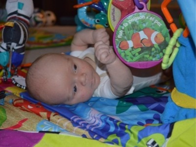 1 month old baby activity time on playmat